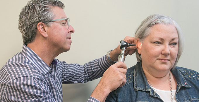 Audiologist Jerry Laufman, Beamsville, Grimsby, Niagara